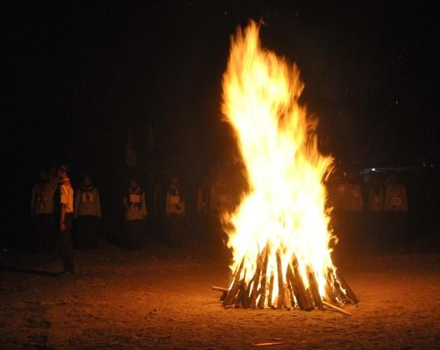 Contoh Pidato Sambutan Pembina Pramuka pada Upacara Api Unggung