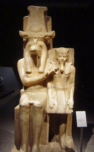 egyptian kingdom the statue of akhenaten Portfolio content 1  colossal statue of akhenaten egypt  and body were new to the egyptian people akhenaten's facial features and body are a.