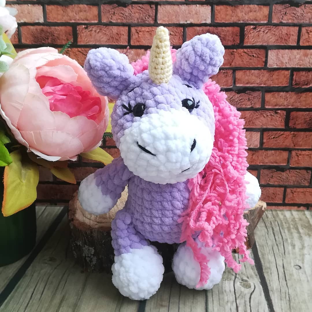 Amigurumi unicorn crochet pattern