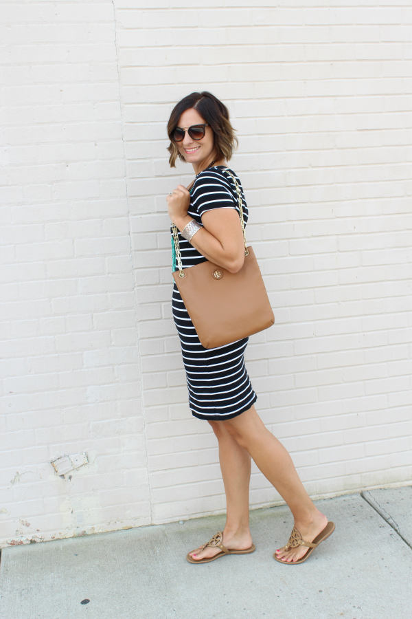 striped dress, mom style,