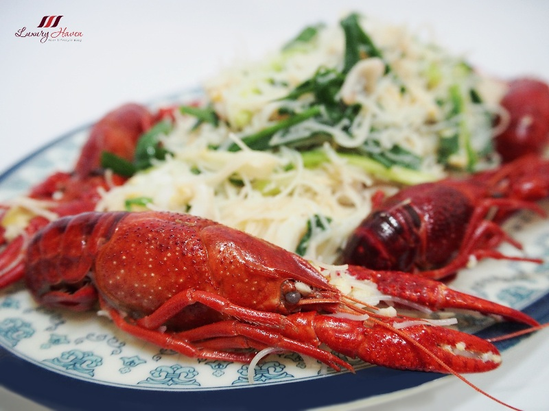 yummy seafood dishes baby lobster emerald crawfish beehoon