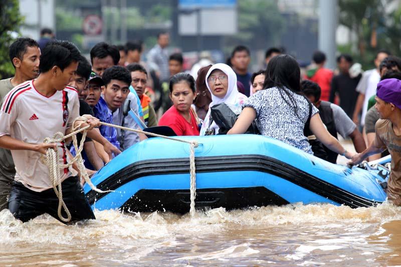 Kumpulan Foto Banjir Jakarta Januari 2013 | Berita Komunitas