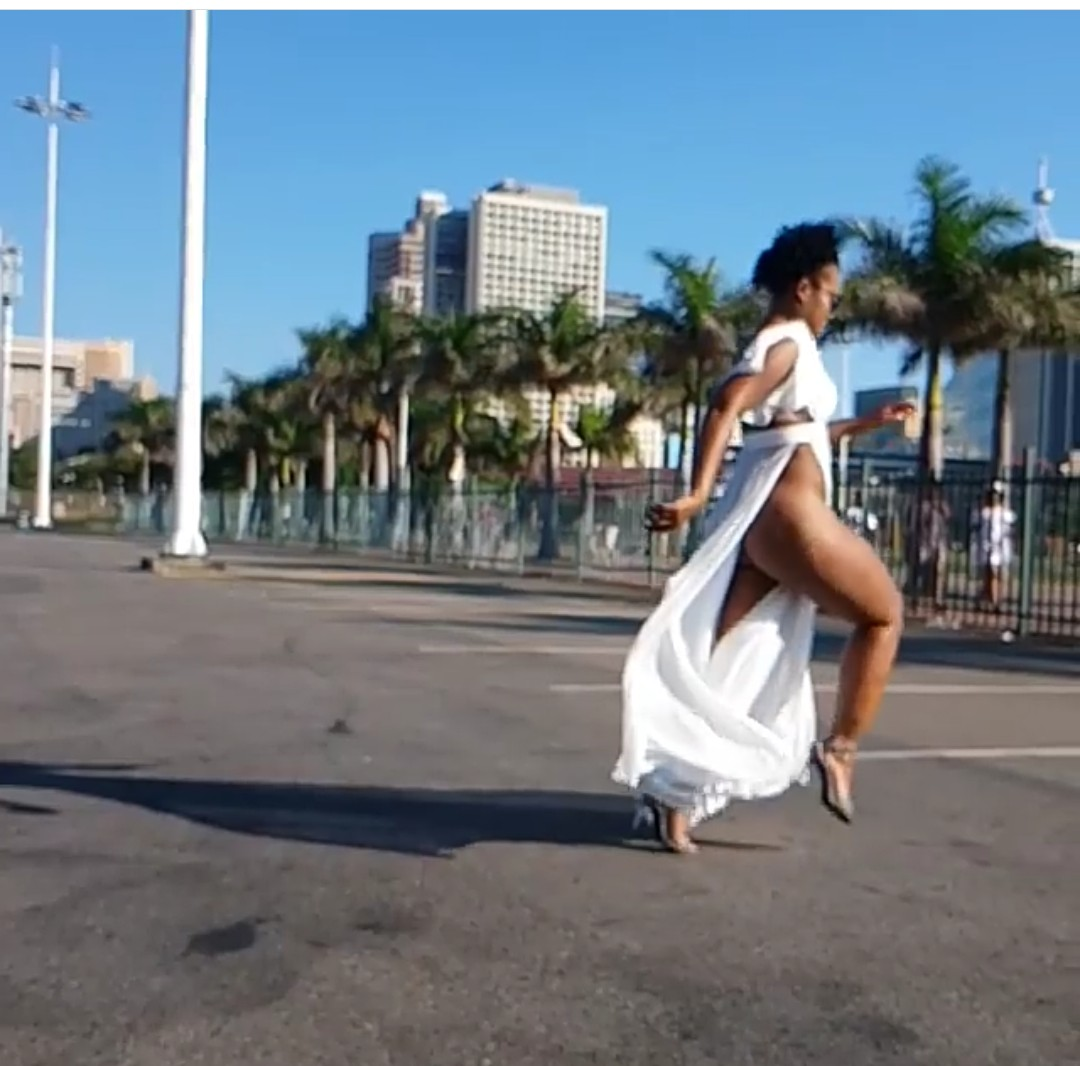 South African Pantless Dancer Zodwa Wabantu Steps Out With No Panties 10