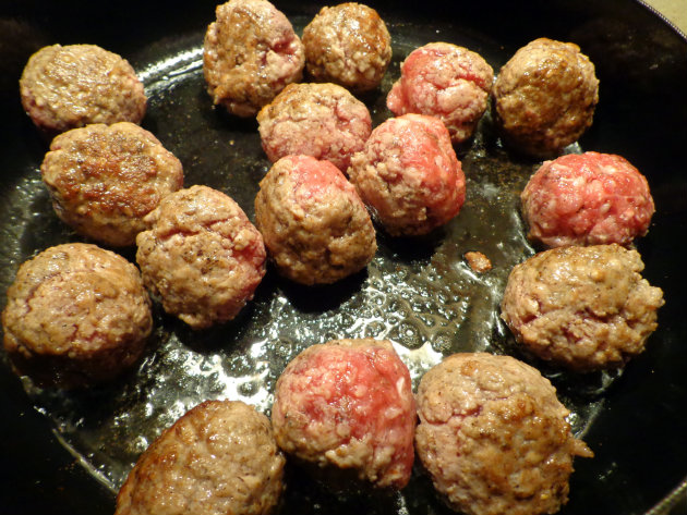 fry meatballs in olive oil