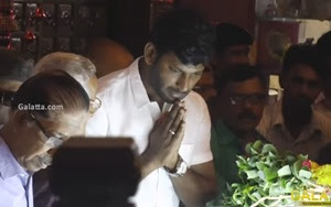 Vishal pays last respect to Cho Ramaswamy