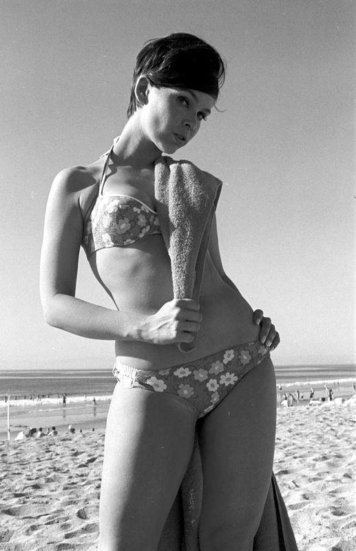 Brianna beach follow me 5