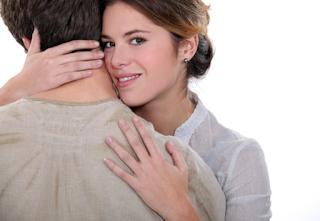 8 Cara menaklukkan pria idaman Anda