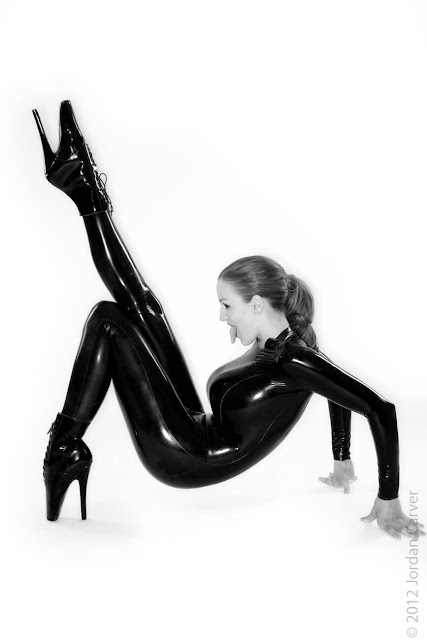 Jordan-Carver-Sandine-Hot-Photoshoot-in-Catsuit-3563410