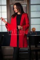 Jacheta eleganta rosie cu maneci clopot
