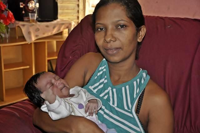 Gravidez fora do útero é sucesso e bebê nasce saudável
