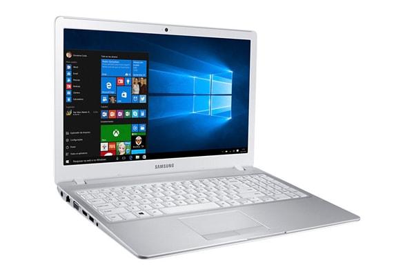 Notebook Samsung i7 NP500R5H-XD3BR com 3 GHz de velocidade