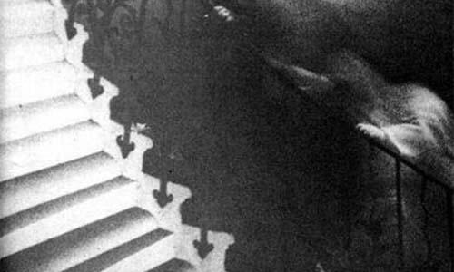 El fantasma de la escalera Tulipán