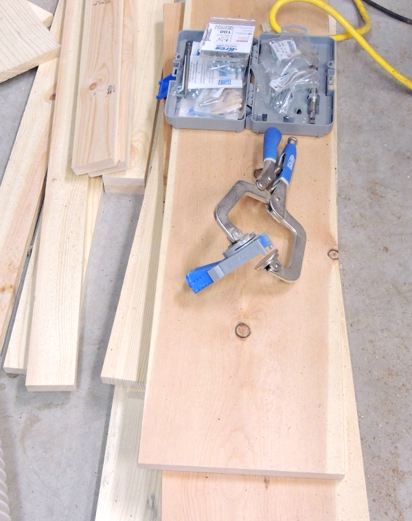 Kreg Jig to assemble shoe bench