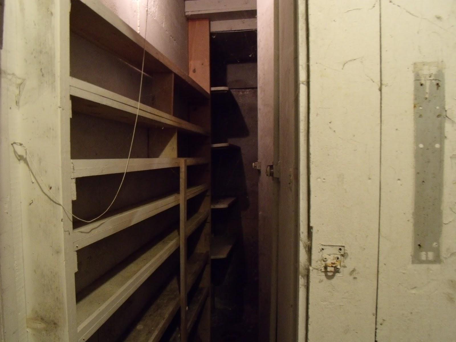 Room Basement Around  Ave Nw Edmonton