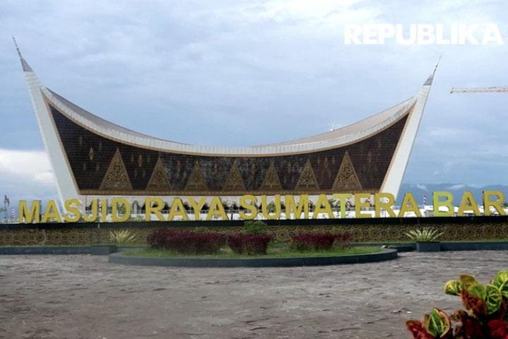 Masjid Raya Sumbar Simbol Ikatan Minangkabau dan Sunda
