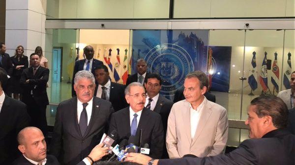 Gobierno y oposición de Venezuela pautan reunión para el día 27