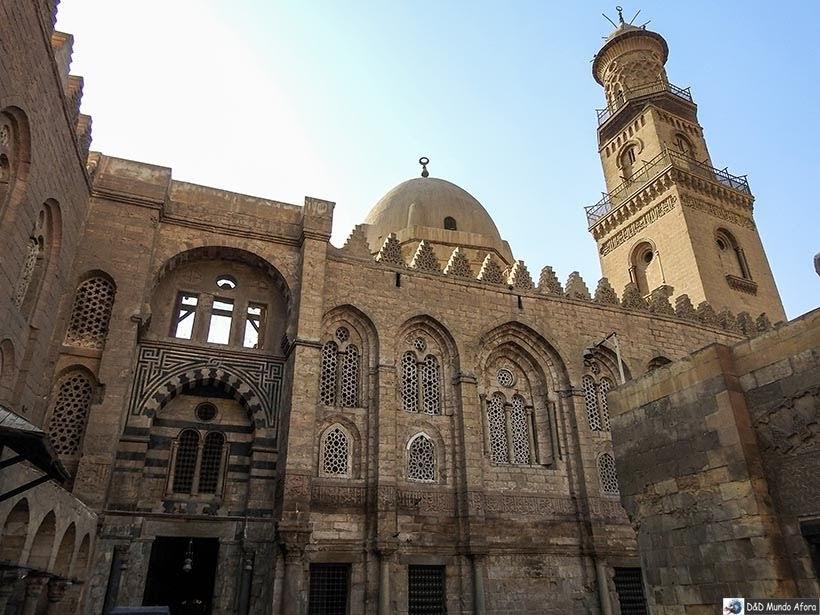 Mesquitas no meio do Bazar Khan-el-Khalili no Cairo Velho - Diário de Bordo: 2 dias no Cairo