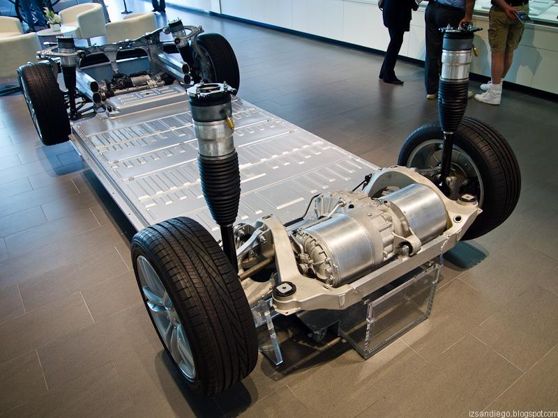 двигатель на автомобиль тесла фото