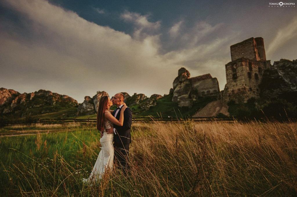 Olsztyn zamek zdjęcia ślubne Tomasz Konopk