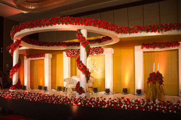 Brahmin wedding planner hotel crowne plaza kochi grand wedding stage decor junglespirit Gallery