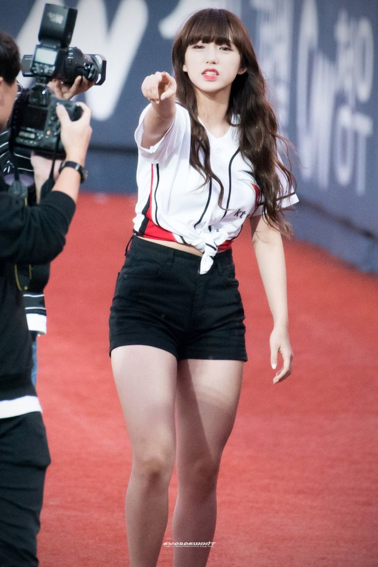 female idols with thick thighs