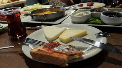 kahvaltı, salcalı ekmek