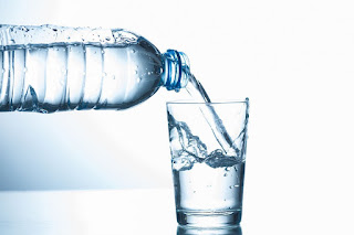 Drink 1.5 liters of water a day, a myth?