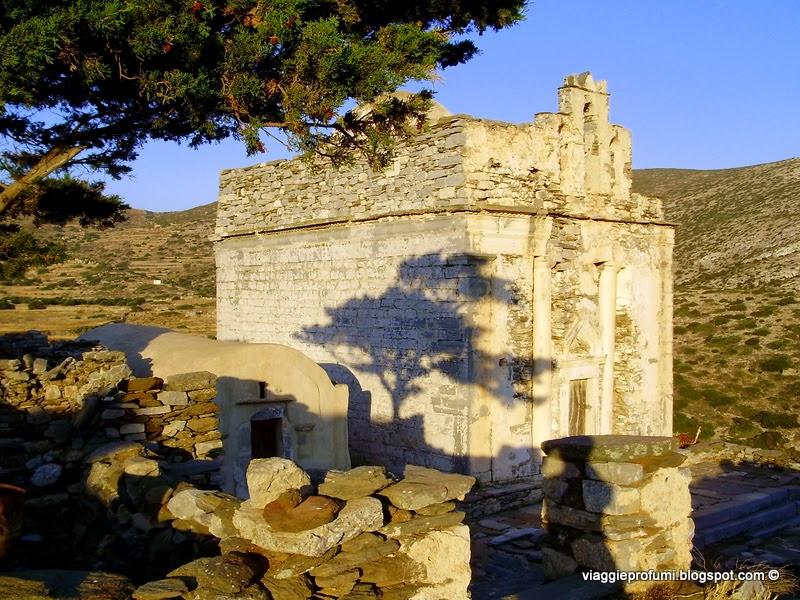 Sikinos, la chiesa di Episkopi