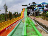 Kotraktor Waterboom