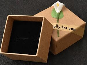¡No botes tus cajas de cartón, úsalas para tu joyería!
