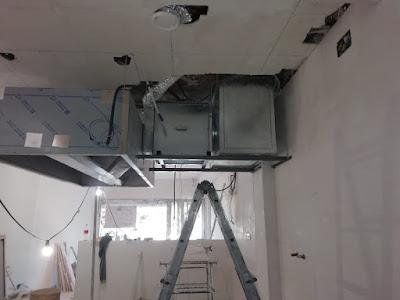 foto caja extracción interna junto a la campana de la cocina