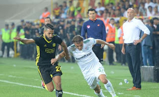 Futbol Efsanesi Ntv Spor Kanalinda Sürüyor