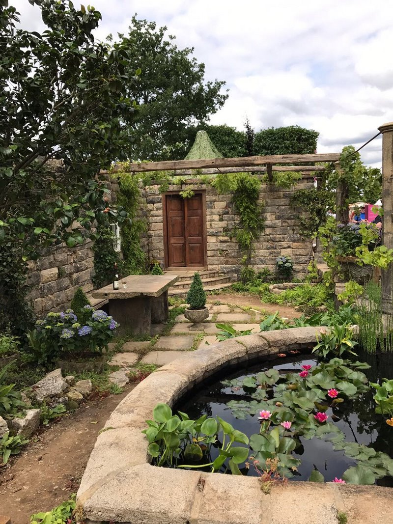 The Pazo's Secret Garden. Rose McMonigall. RHS Hampton Court Flower Show 2017