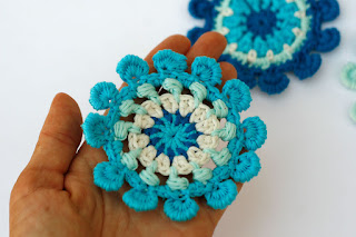 Crochet pompom flower by TomToy
