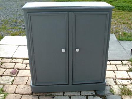 Relooker transformer une tag re mettre des portes cours peinture d corative meubles peints - Relooker une porte ...