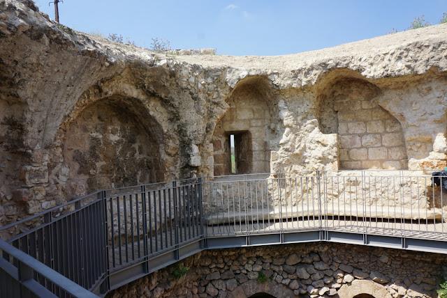 תל אפק המצודה העתיקה