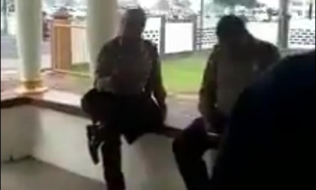 """Oknum Polisi Robek Buku Tamu di Rumah Aspirasi Prabowo-Sandi NTB, """"Ini Videonya!"""""""