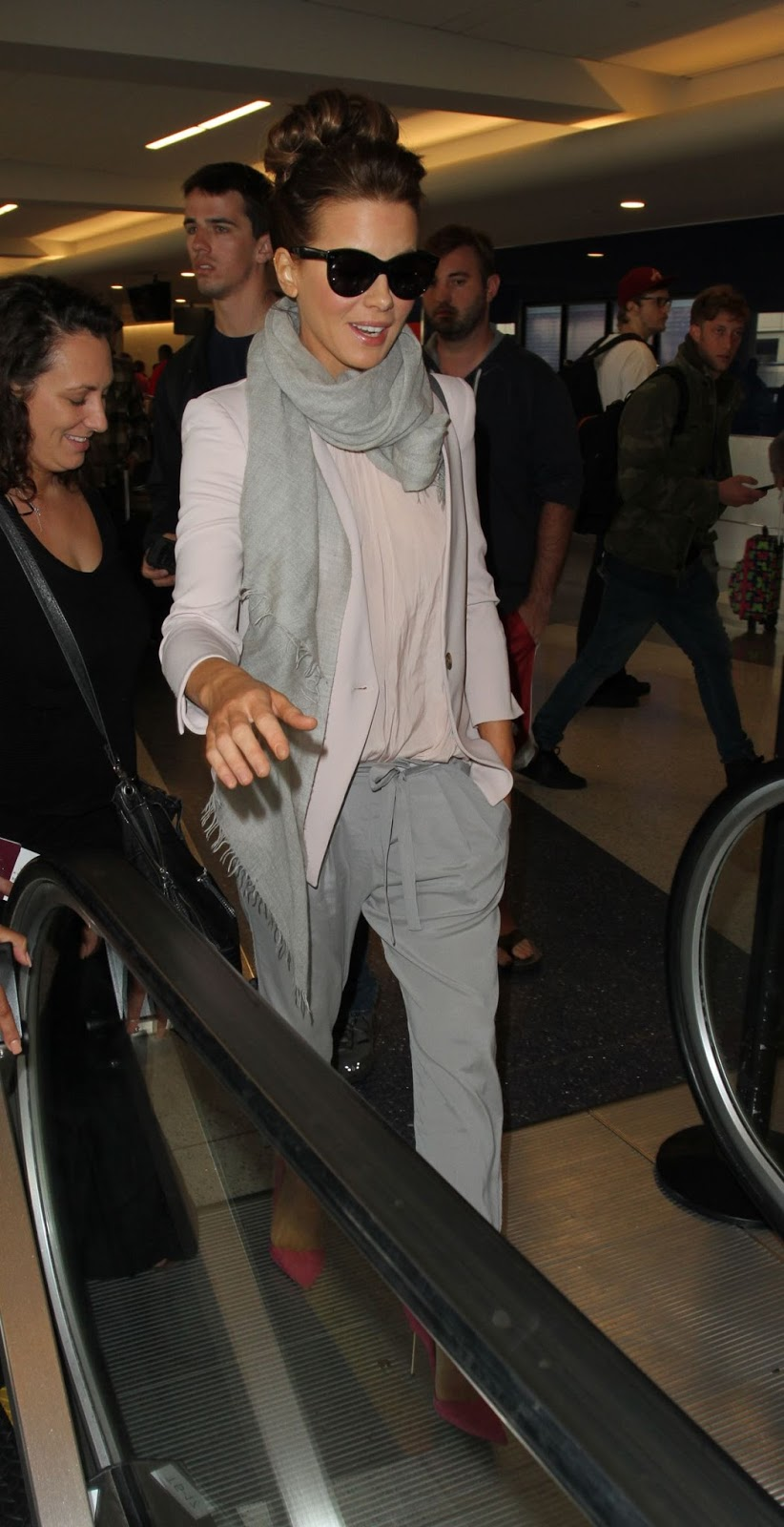 Kate Beckinsale hot sunglasses At Lax Airport