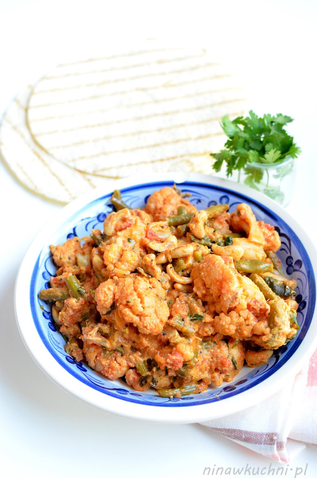Nina W Kuchni Indyjskie Curry Z Kalafiora I Nerkowcow