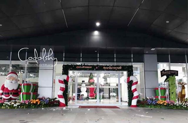 Dekorasi Styrofoam natal dan anniversary di Mall (Santa, Gate lolipop, kado, manusia salju)