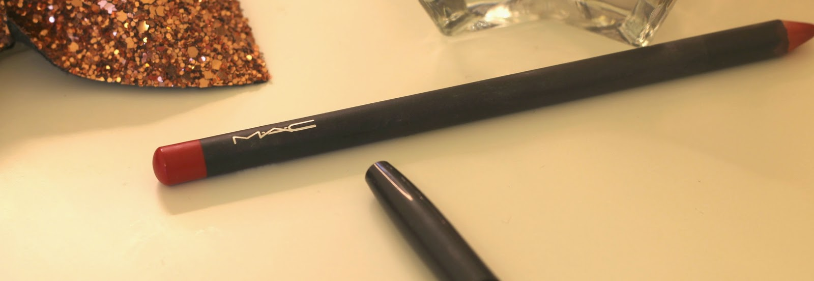 mac-cherry-lip-liner-swatch-review