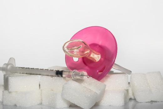 Sanidad financia los dispositivos de medición de glucosa sin pinchazos a 1.400 menores con diabetes mellitus tipo 1