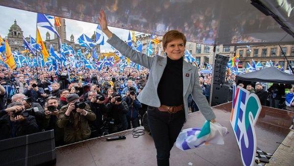 Escocia reclama nueva consulta sobre separación del Reino Unido