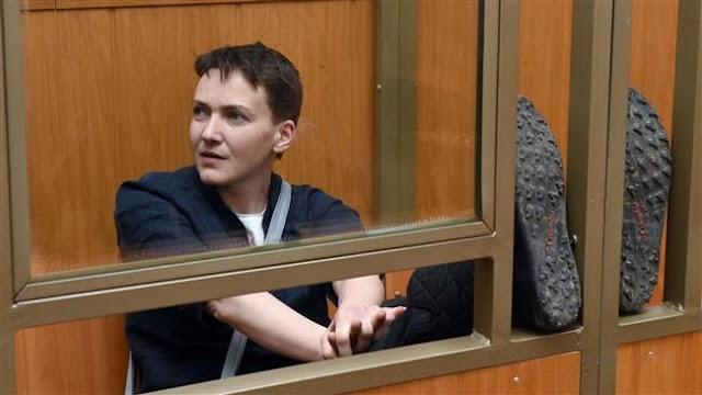 Ukraine's President Petro Poroshenko says Russia to free pilot in prisoner swap