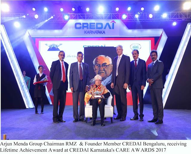Arjun Menda Group Chairman RMZ  & Founder Member CREDAI Bengaluru, receiving Lifetime Achievement Award at CREDAI Karnataka's CARE Award 2017