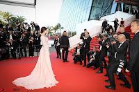 Sonam Kapoor looks stunning in Cannes 2017 013.jpg
