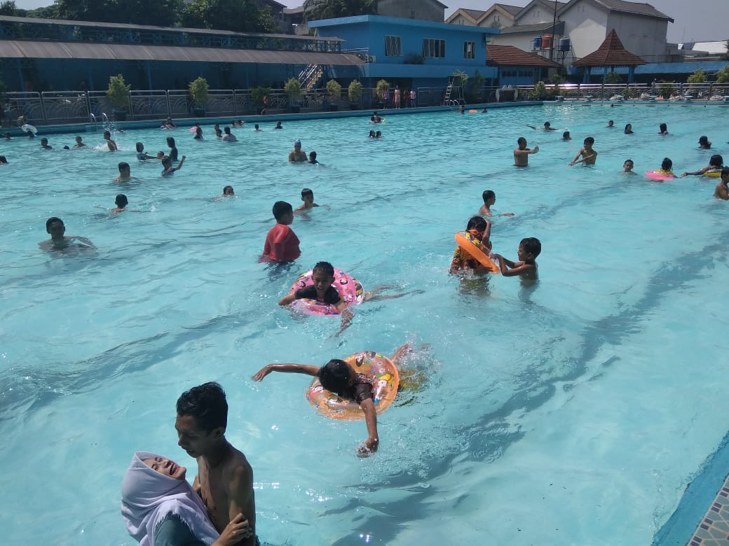 Nyobain Kolam Renang GOR Otista Jakarta Timur : Aku Tercyiduk