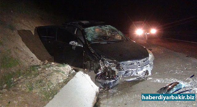 DİYARBAKIR-Çınar ilçe merkezi çıkışı Göksu barajı yakınlarında sürücüsünün direksiyon hâkimiyetini kaybettiği otomobilin takla atması sonucu bir kişi hayatını kaybetti, 3 kişi de yaralandı.