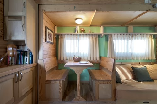 05-Dining-Area-Yosi-Tayar-Animator-RV-Home-Recreational-Vehicle-www-designstack-co
