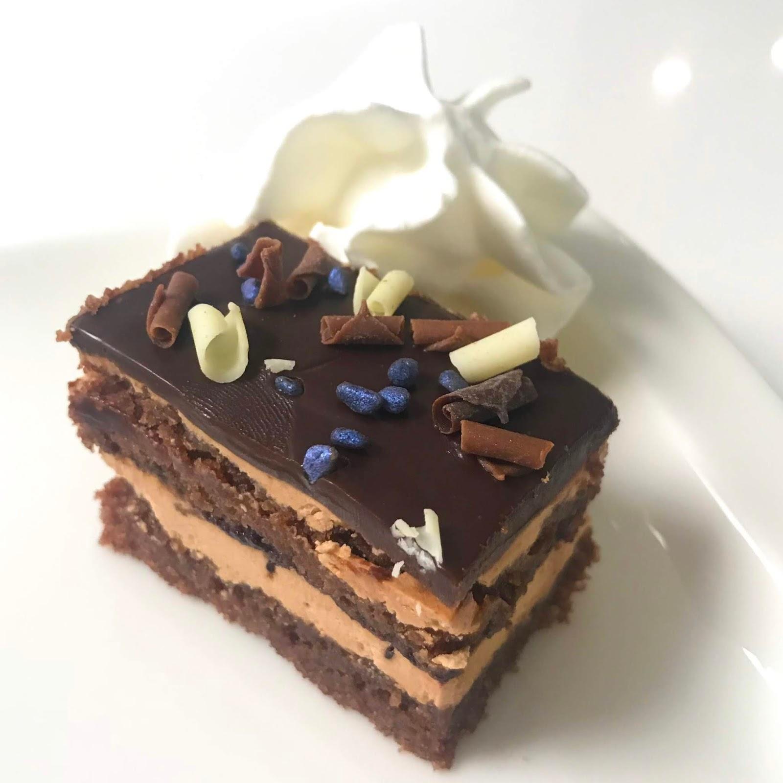 Gluteeniton Suklaakakkupohja